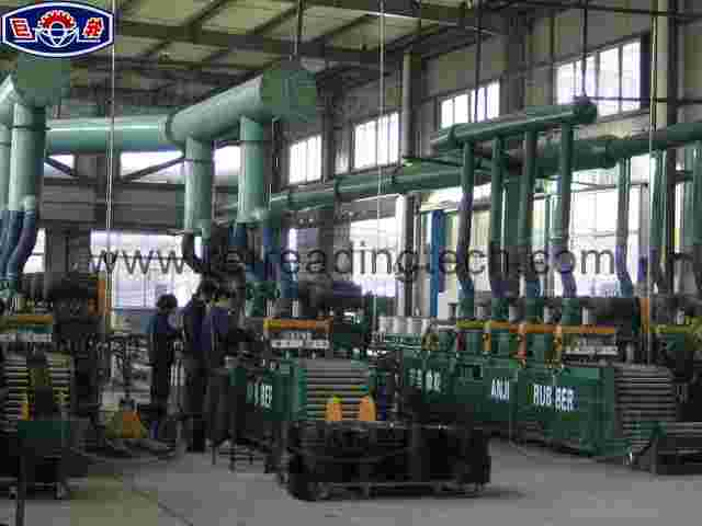 Tyre tread sanding machine with four grinding heads