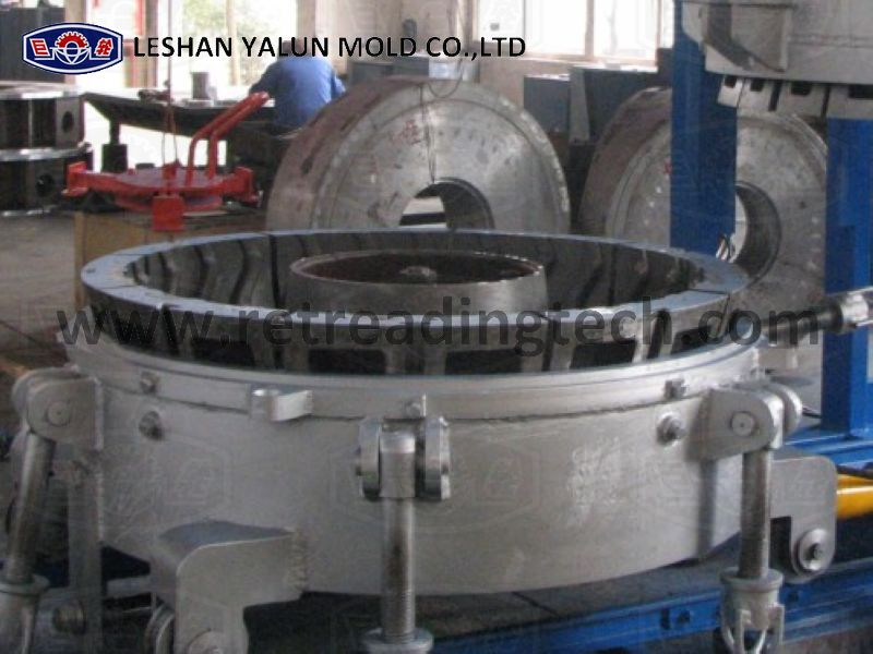 Segment molds work with curing press